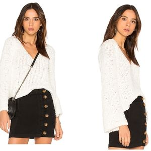 Free People | NWT Ivory chunky knit v-neck sweater